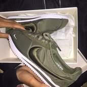 shoes,nike cortez,nike,cortez,khaki,kaki shoes,trainers,nike shoes,nike running shoes,instagram,nike sneakers,nike air,nike theas,green,women,khaki nike silk shoes,nike woman,nike green shoes,olive green,kahki,nike.,white