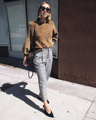 pants tumblr plaid plaid pants grey pants sweater brown sweater shoes pumps pointed toe pumps fall outfits sunglasses cat eye