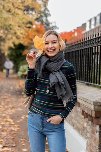 cocos tea party blogger t-shirt jeans shoes scarf jewels
