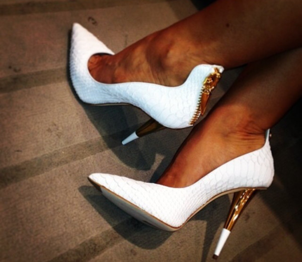 shoes white gold heels high heels gold outline white tip heels gold zipper white high heels white heels black/white heels