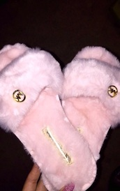 rose,slide shoes,shoes,slippers,michael kors,pink,pretty,cute,love,sandals,fur,furry slippers,michael kors shoes,pink fur,fluffy,michel kors slippers,faux fur,gold logo,black,warm,girly,fur slippers,princess