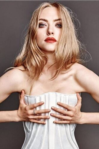 top bustier editorial amanda seyfried ring jewels