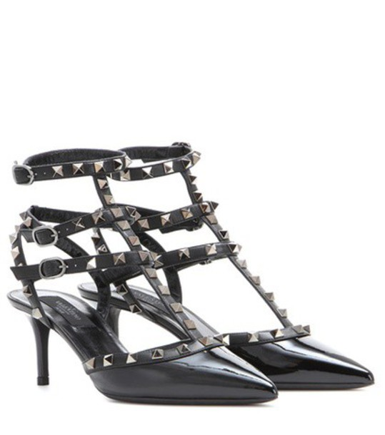 Valentino Rockstud Patent Leather Kitten-heel Pumps in black