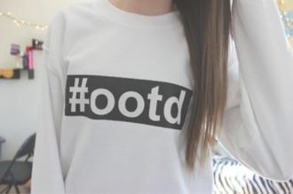 black and white chic ootd crewneck black and white sweater sweatshirt shirt