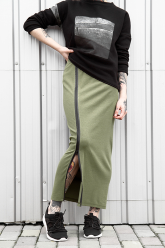 skirt long sleeves olive green black sweater lookbook menswear mens sweater long skirt khaki tattoo urban urban outfitters streetwear streetstyle stripes zip zipped skirt fall outfits