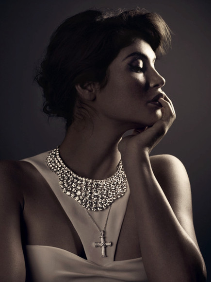 cross top gemma arterton crystals,raw,stone,necklaces necklace, lion, gold, chain, choker, trust no one white crop tops crop tops