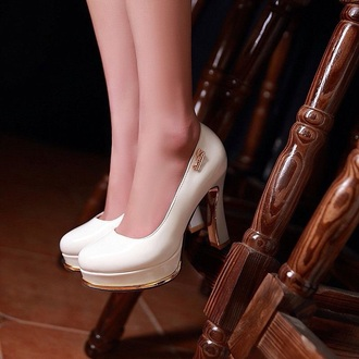 shoes fashion style shorts high heels white shoes pumps