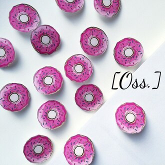 home accessory pin donut