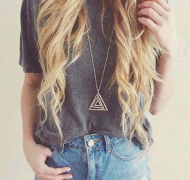 shirt shorts jewels hipster festival top necklace triangle denim blouse grey t-shirt necklace t-shirt loose tshirt speckled grey chain accessories gold triangle necklace triangles jewelry cute jewlery tumblr