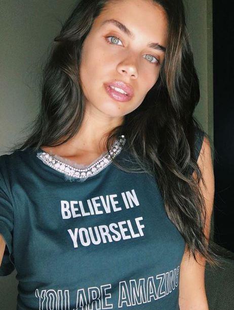 top sara sampaio model off-duty instagram
