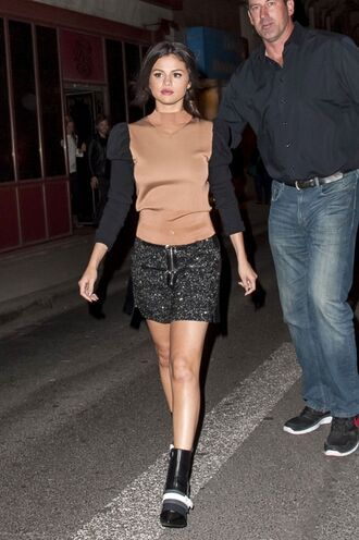 skirt top fall outfits selena gomez mini skirt shoes boots