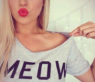 t-shirt gris noir lettre mot meow
