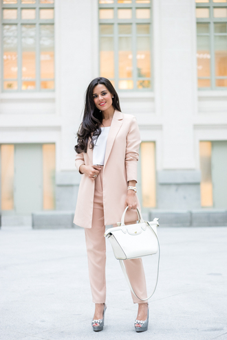 crimenes de la moda blogger jewels shoes bag pink jacket white top white bag high waisted pants platform heels
