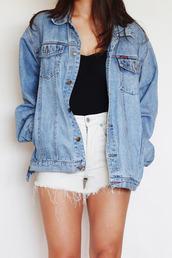 jacket,denim jacket,shorts,pants,blue,denim,denim vintage levis,white,black t shirt,blue shirt,cool,vintage,indie,oversized jacket,denim jaacket,xxl jacket,xxl denim,vintage jacket,oversized cardigan,oversized,oversized denim jacket,denim oversized jacket,clothes,warm,style,fashion,trendy,blue jean jacket,big