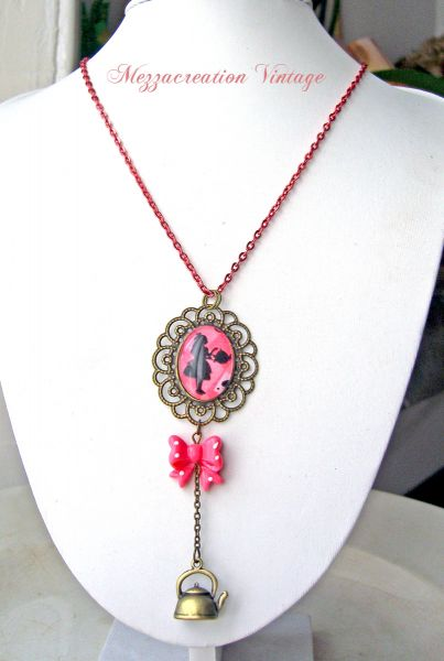 Collier â° le thã© d'alice â° wonderland verre rose rã©tro : bijoux par mezzacreation sur alittlemarket