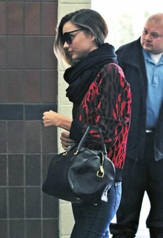 miranda kerr sweater jeans bag scarf sunglasses