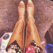 shoes,clothes,cowboy boots