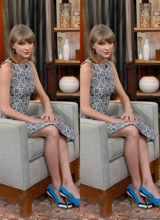 taylor swift pumps high-low dresses patterned dress