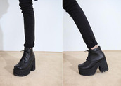shoes,grunge,goth,platform shoes,boots,leather,black,sneakers,black shoes,lace shoes