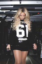 queen b,beyonce,mrs carter,blue ivy,queen,beautiful,dress,shorts,stage,concert,singer