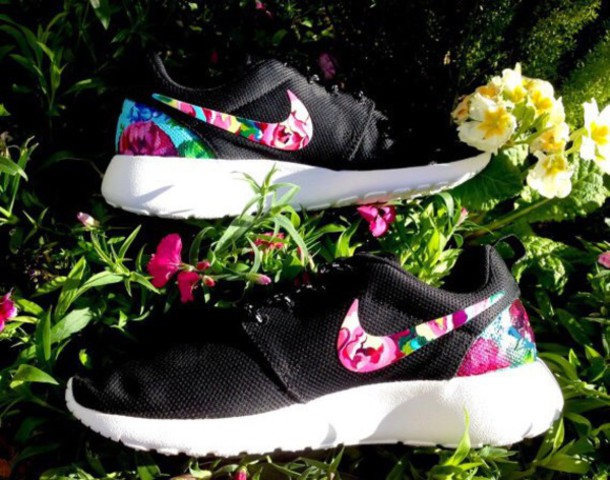shoes nike roshe black floral