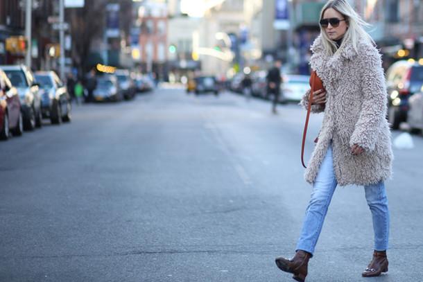 the fashion guitar blogger jeans fuzzy coat light blue winter coat coat bag sunglasses shoes beige fluffy coat