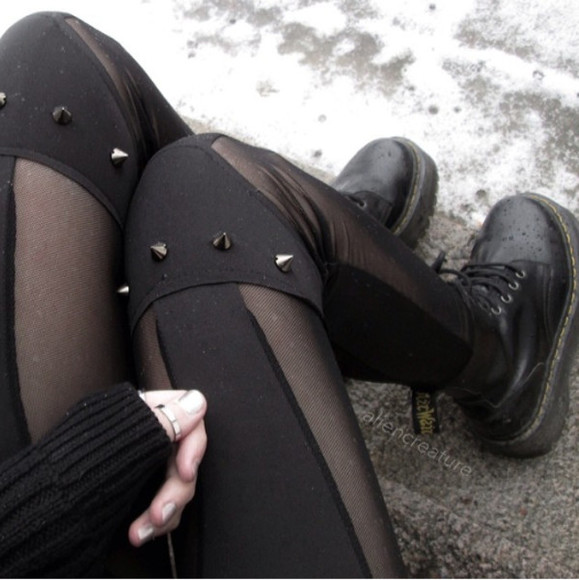 shoes black docs DrMartens pants nieten spikes