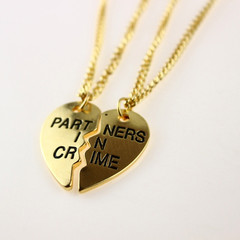 Partners in crime necklace (2 pcs)