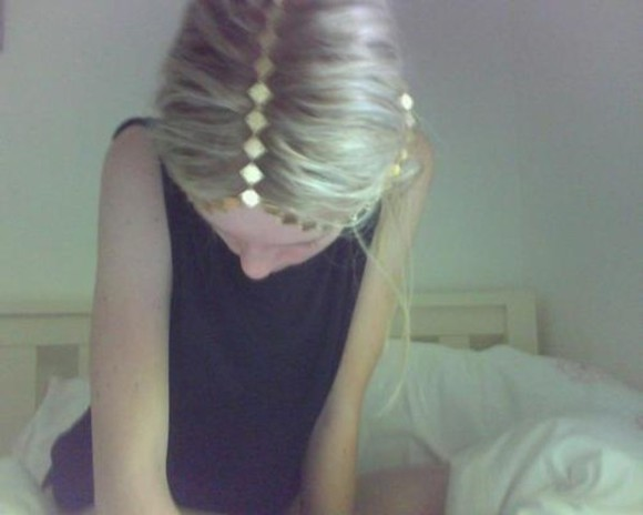 jewels or girl blonde hair