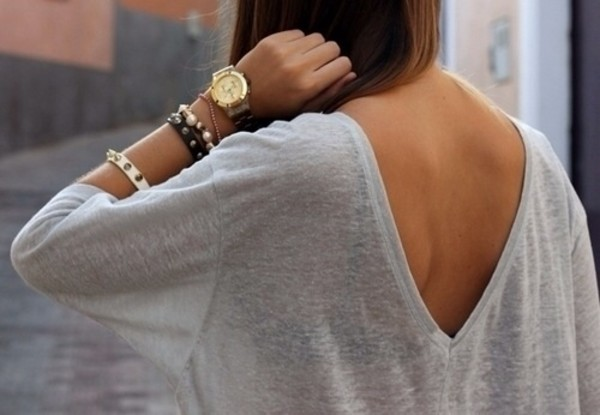 sweater fall sweater fall outfits fall outfits fall outfits watch t-shirt shirt jeans High waisted shorts shorts denim shorts swimwear dress brown black jewels white black and white blouse skater dress high-low dresses gold top v back grey