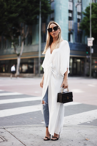 top long top tumblr white top slit top denim jeans blue jeans ripped jeans bag black bag sunglasses
