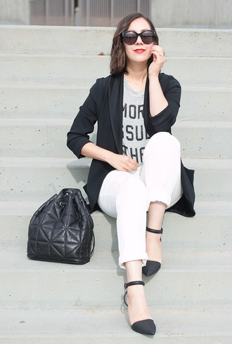 adventures in fashion blogger jacket t-shirt jeans sunglasses shoes jewels