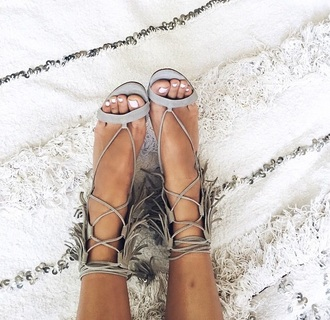 shoes fringe boho cool tan summer sandals beige style fashion summer sandals strappy sandals fringe shoes leather sandals summer holidays summer accessories beach shoes