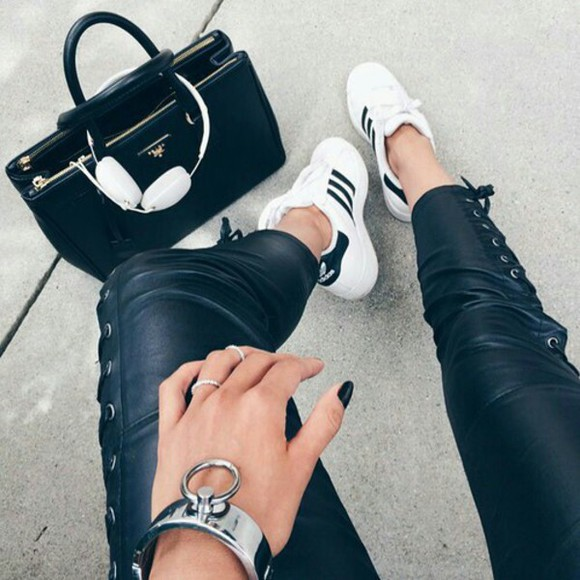 shoes black leather leather pants tie winter clothes winter outfits winter fashion black leather pants black leather