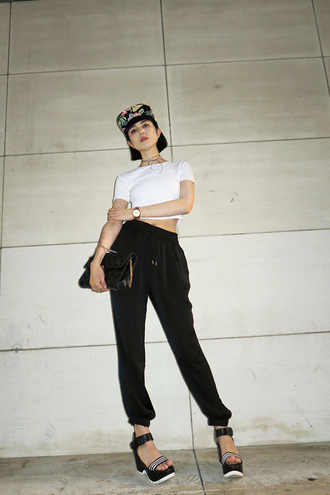 samantha mariko blogger t-shirt pants shoes bag jewels