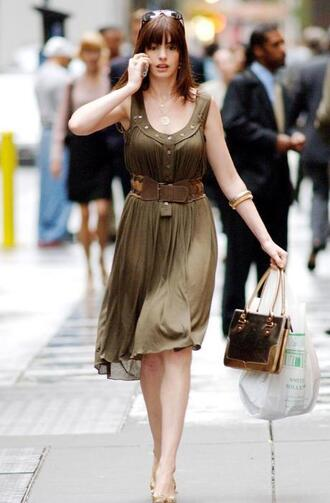 anne hathaway dress the devil wears prada green dress