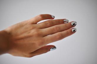 jewels metalic silver nailpoilsh
