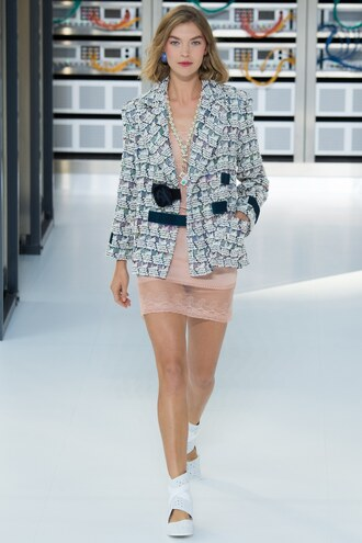 jacket blazer dress chanel paris fashion week 2016 runway model
