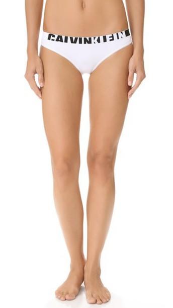 Calvin Klein Underwear Seamless Logo Bikini Panties - White