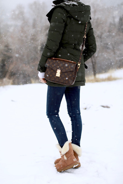 louis vuitton ugg boots. jacket pochette metis tumblr winter outfits look army green down jeans louis vuitton ugg boots