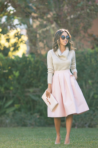 lace and locks blogger turtleneck pink skirt midi skirt pouch