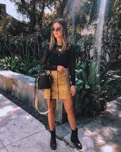 skirt,mini skirt,zipped skirt,pencil skirt,boots,black blouse,shoulder bag,sunglasses