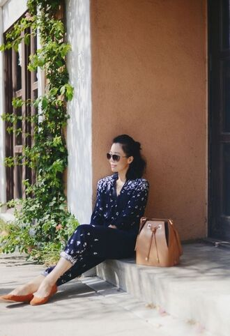 jumpsuit floral jumpsuit blue jumpsuit flats brown flats bucket bag bag brown bag sunglasses office outfits spring outfits