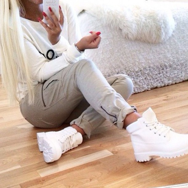 shoes timberland pants white timberlands green pants grey pants rolled up jeans pockets jeans white timberlands whitetimberlands timbaland white shoes boots white boots