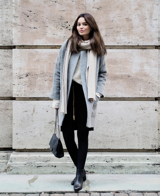 by funda blogger scarf bag grey coat chelsea boots