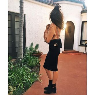 bag tumblr black bag gucci gucci bag sweater brown sweater skirt midi skirt black skirt black boots ankle boots thick heel
