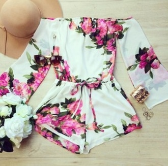 romper floral off the shoulder white and pink white and pink flowers summer outfits hat long sleeves dress floral dress summer dress cute dress musthve jumpsuit floral rumper shorts blanc rose fleurs onepeace white with pink flowers floral romper flowered shorts one piece white pink short style flowers sunglasses bracelets white romper
