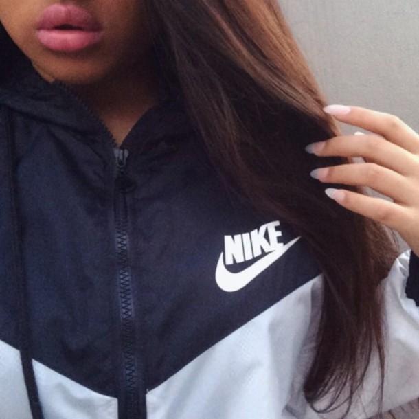 jacket nike black and white