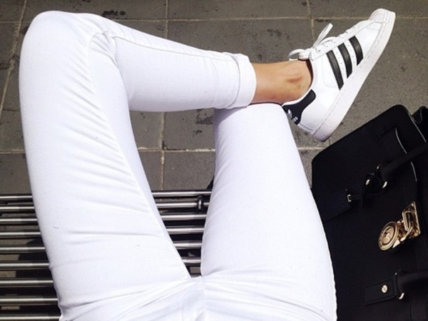 shoes adidas adidas shoes stan smith black&with jeans sports shoes tumblr girl sneakers adidas shoes white jeans noir et blanc femme bag shorts tumblr adidas superstars