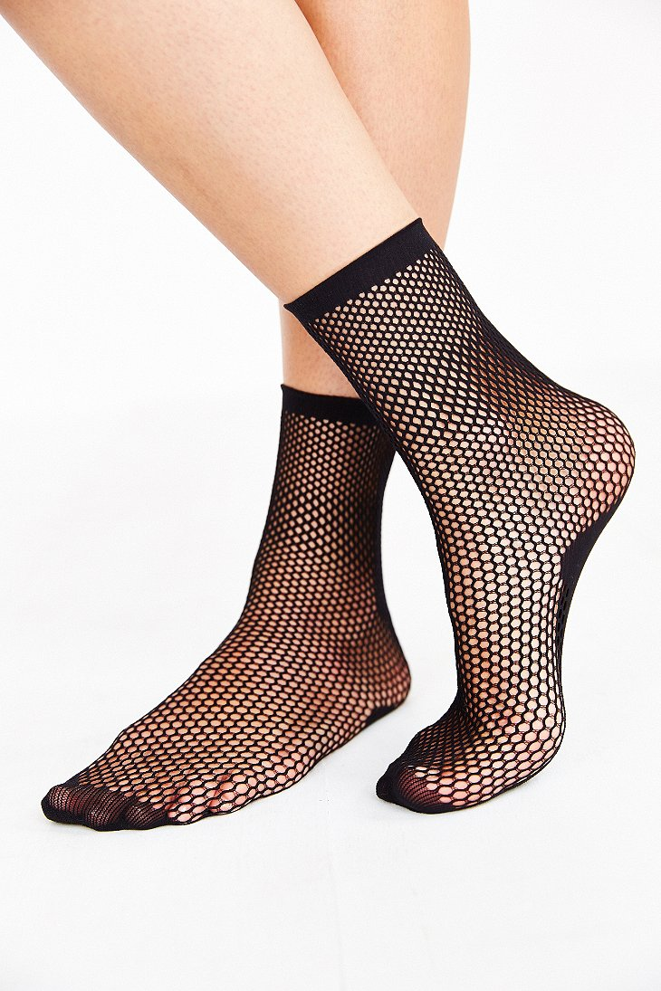 Circle mesh crew sock